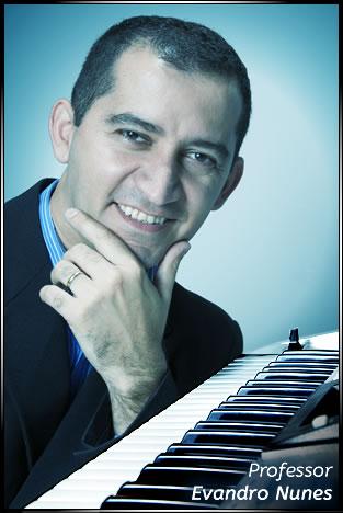 Professor Evandro Nunes